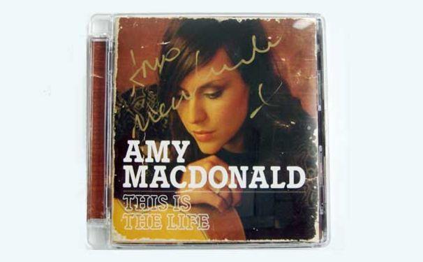Amy Macdonald, Handsigniertes Album zu gewinnen