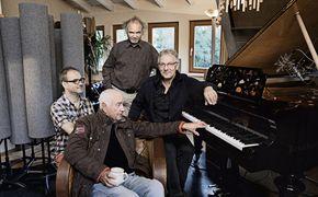 Armin Mueller-Stahl, Erstaufnahme von 45 Jahre alten Liedern