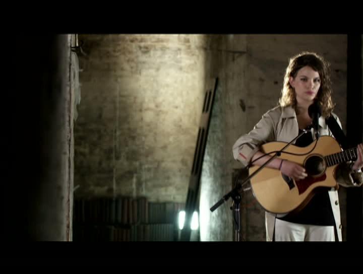No Smile - Acoustic Performance
