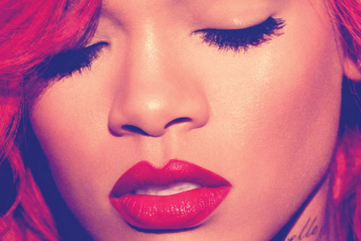 Rihanna LOUD Cover 2010_web
