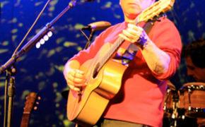 Paul Simon, Paul Simon holt bei Konzert Fan auf die Bühne