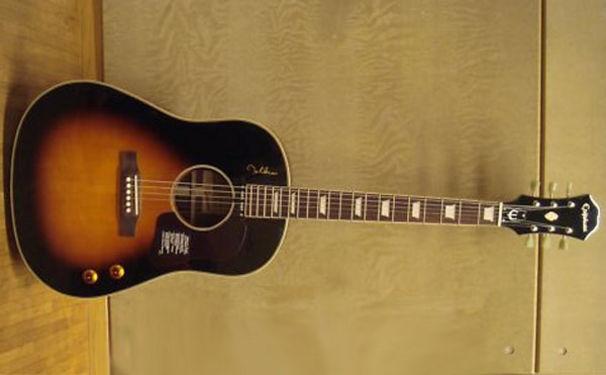 Amy Macdonald, Ersteigere die Gitarre deiner Lieblingssängerin!
