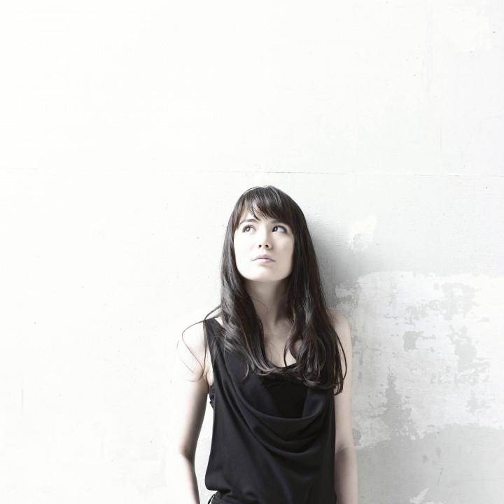 Alice Sara Ott ©Kiyotaka Saito