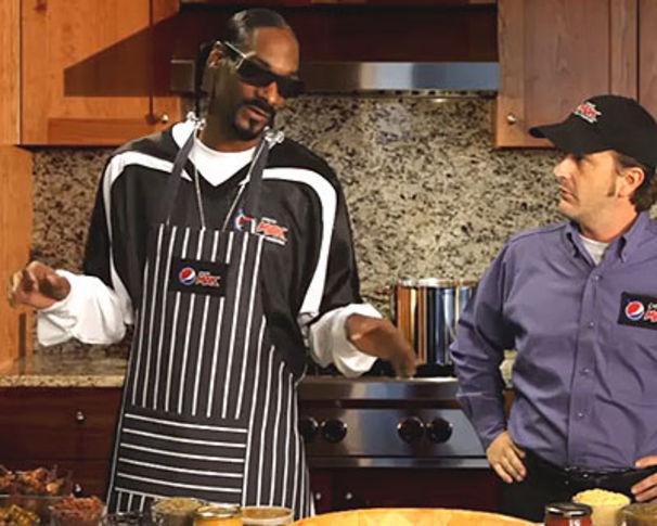 Snoop Dogg, Kochen mit Snoop D-O-Double-Gizzle, anybody?