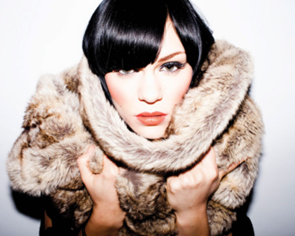 Jessie J, Jessie J performt Young Blood