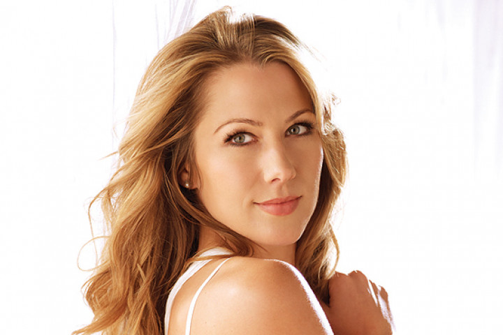 Colbie Caillat 2011 - 01