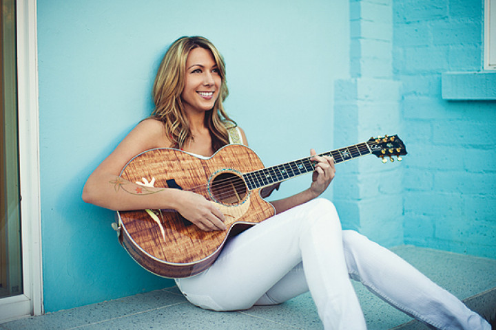 Colbie Caillat 2011 - 02