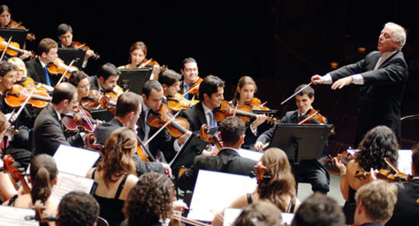 Daniel Barenboim, Daniel Barenboim und das West-Eastern Divan Orchestra: Tschaikowsky & Schoenberg