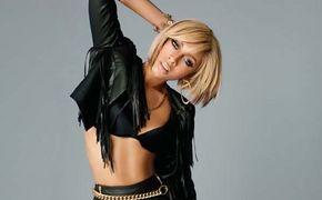 Keri Hilson, Singt Pretty Girl Rock beim GNTM-Finale