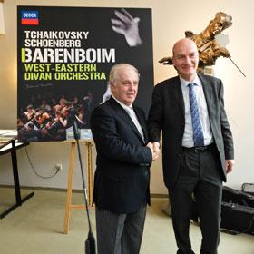 Daniel Barenboim, Von der Kraft der Musik: Daniel Barenboim und das West-Eastern Divan Orchestra begeistern mit Berg und Beethoven