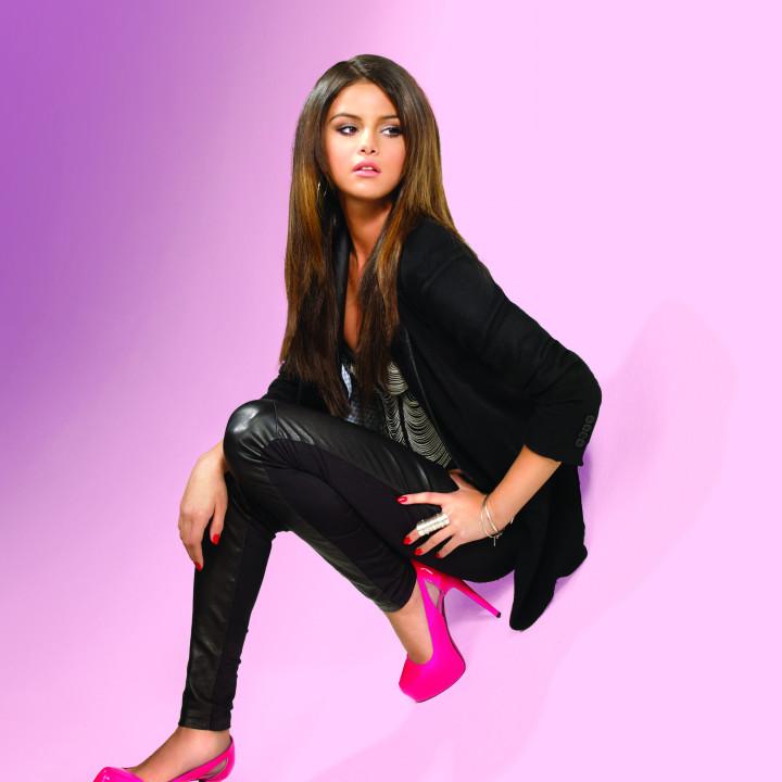 Selena Gomez Pressebild 4/2011