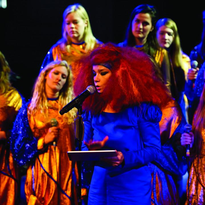 Björk Pressefoto 2/2011