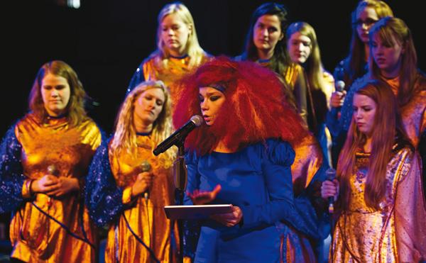 Björk, Die ersten Singles gibt's als digitale Remixe