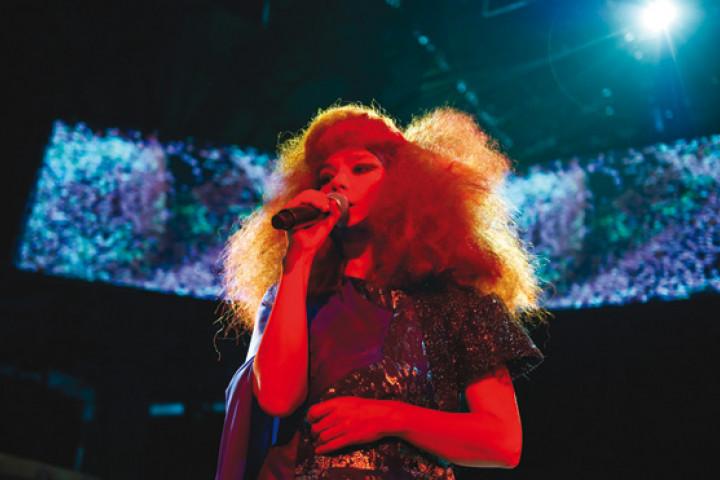 Björk Show Manchester 2011 03