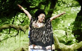 Velile Mchunu, Tales from Africa - Jetzt ins Album reinhören!
