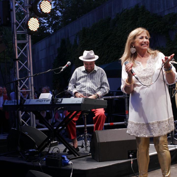 Sergio Mendes Live bei Verve Club in the garden 2011 01 c Max Schröder