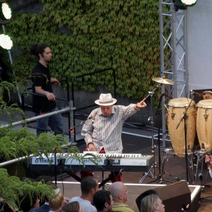 Sergio Mendes Live bei Verve Club in the garden 2011 07 c Max Schröder