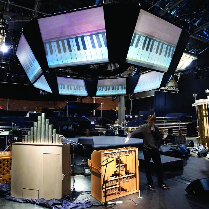 Björk Pressefoto 36/2011