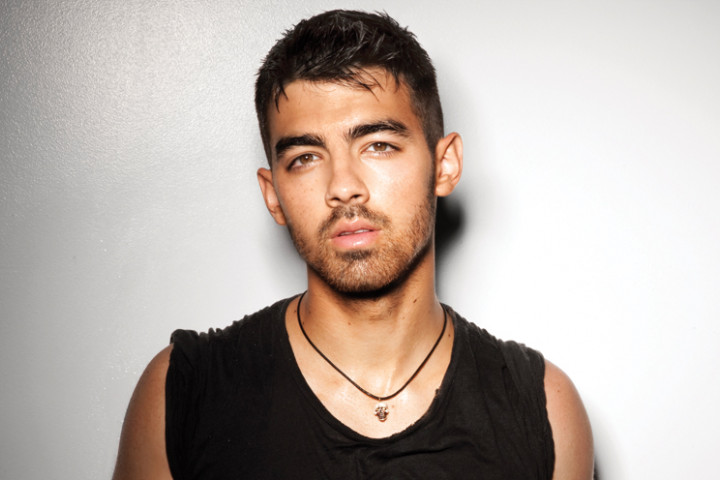 Joe Jonas-2011_4