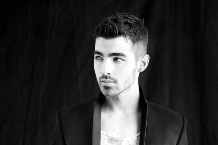 Joe Jonas-2011_5