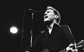 Bryan Adams, Tracks Of My Years als App: Bryan Adams lädt seine Fans ein, Bilder mit ihm zu teilen