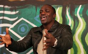 Akon, Akon performte in Dubai's Abu Dhabi Wüste