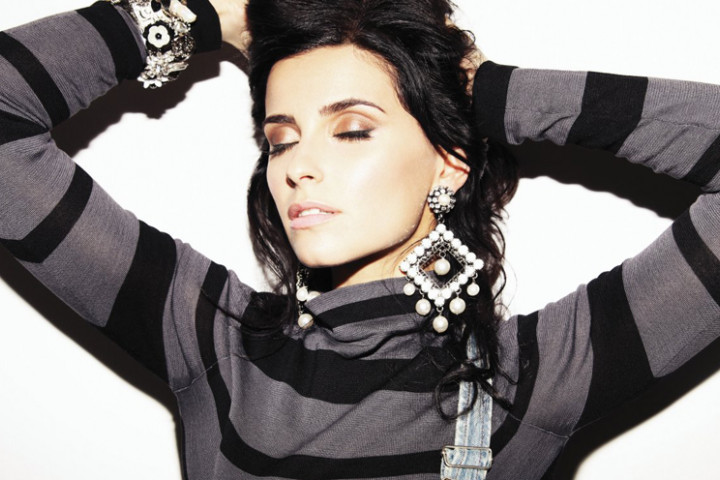 2011 1 Nelly Furtado