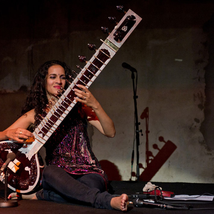 Anoushka Shankar live in der Yellow Lounge in Berlin 2011 c Stefan Hoederath