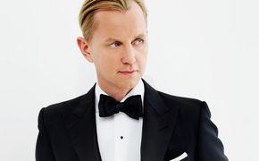 Max Raabe, Video-Premiere: Lasst mich rein, ich hör Musik von Max Raabe und Annette Humpe