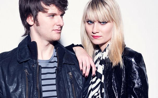 Glasperlenspiel, Grund zur Freude: Die Debüt-Single Echt ist Gold wert