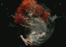 Björk, Moon