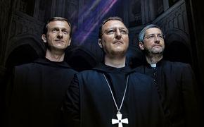 Die Priester, Kann Kirchenmusik den Pop-Himmel erklimmen?
