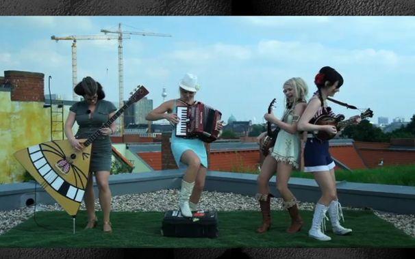 Katzenjammer, Auf den Dächern: Katzenjammer bei Tape.tv!