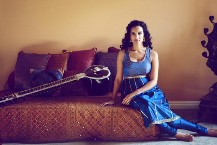 Anoushka Shankar mit Sitar c Harper Smith