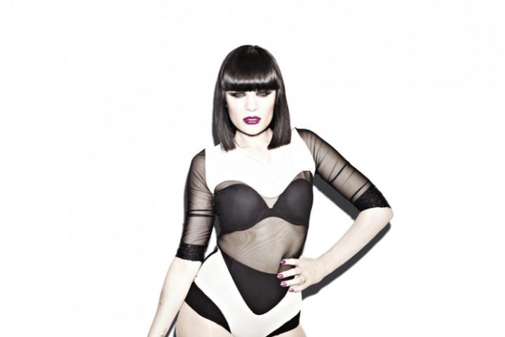 Jessie J Domino_3