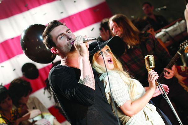 Maroon 5, Adam Levine flucht für die gute Sache