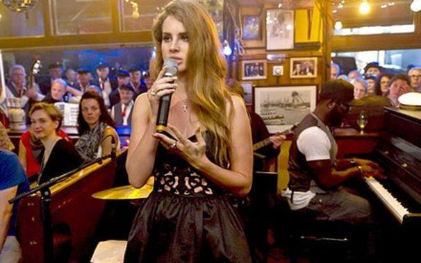 Lana Del Rey, Premiere im Deutschen Fernsehen: Lana zu Gast bei Inas Nacht