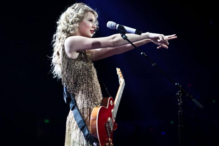 Taylor Swift – Speak Now World Tour 3