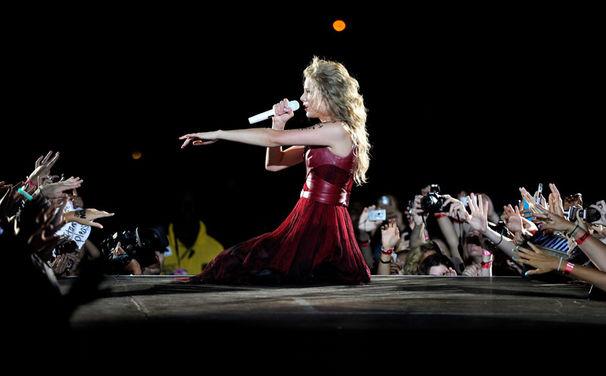 Taylor Swift, Taylor Swift für drei Grammys nominiert