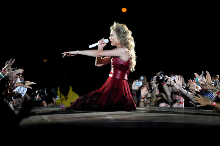Taylor Swift – Speak Now World Tour 7