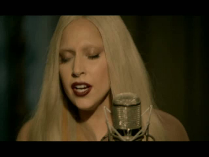 A Very Gaga Thanksgiving – The Edge Of Glory