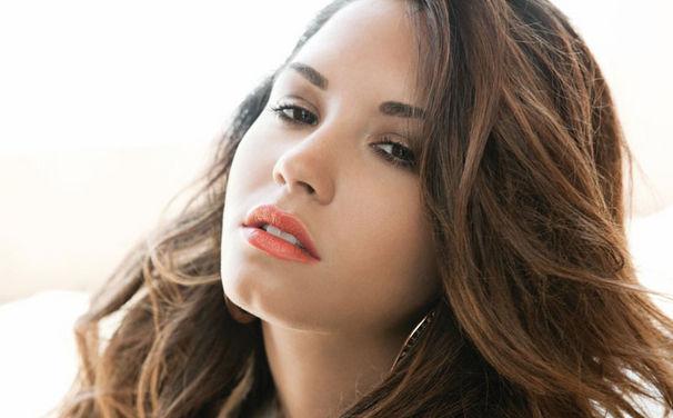 Demi Lovato, Heute kommt das neue Album Unbroken