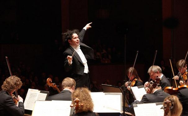 Gustavo Dudamel, Dudamel, zwei Orchester und neun Symphonien