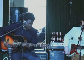 Michael Kiwanuka, Tell Me A Tale - in einer besonden Akustik-Version