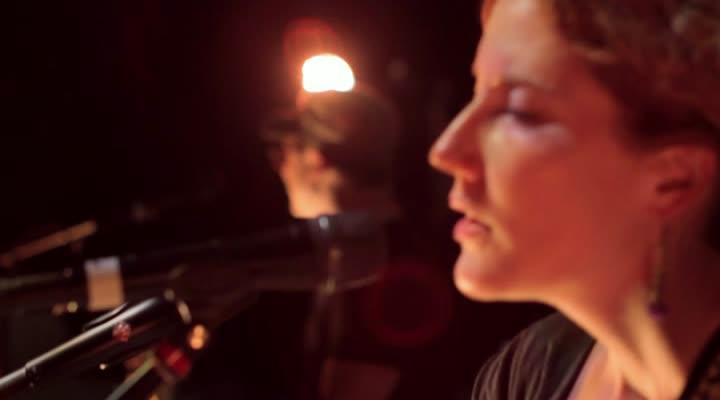 Kathleen Edwards, Voyageur (Dokumentation)