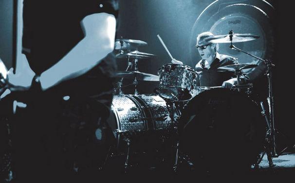 Van Halen, Hört jetzt in den ersten Song Tattoo von Van Halen rein