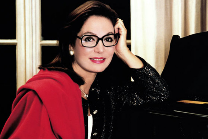 Nana Mouskouri - UMG News