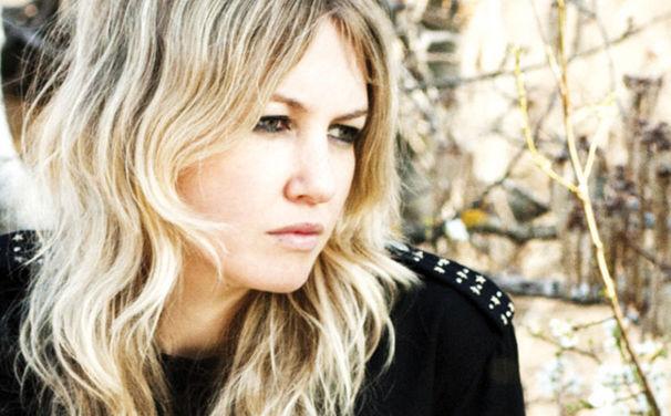 Ladyhawke, Ladyhawke meldet sich mit neuer Single zurück