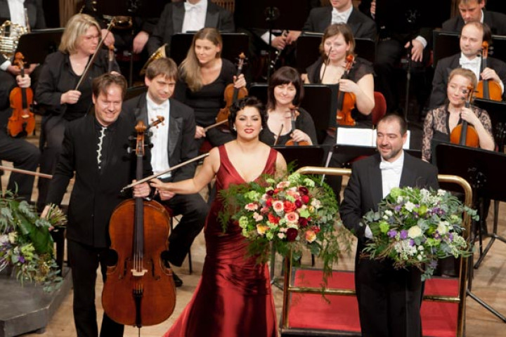 Anna Netrebko, Jan Vogler und Claudio Vandelli bei der Radeberger Nacht der Stars 2012