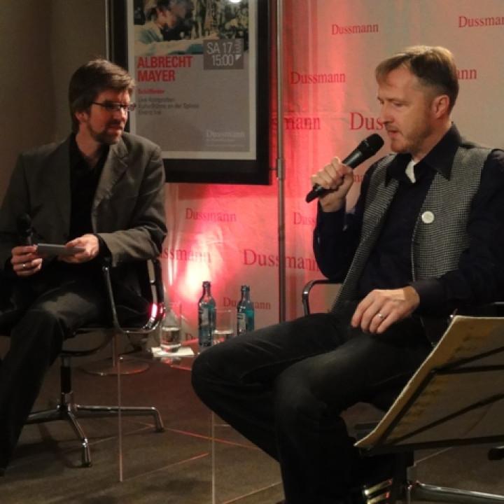 Albrecht Mayer im Dussmann das Kultur Kaufhaus—c universal music